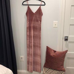 NWOT Boohoo Mauve Velvet Dress with slit